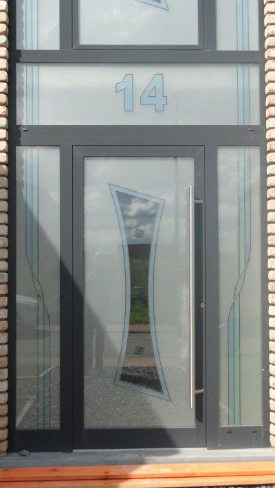 Porte D 39 Entr E Avec Le Num Ro De Maison Dans L 39 Attique Voletschassis