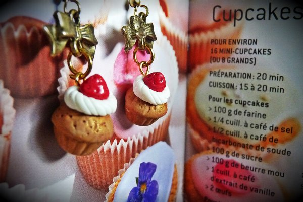 Boucles d'oreilles cupcakes fraise
